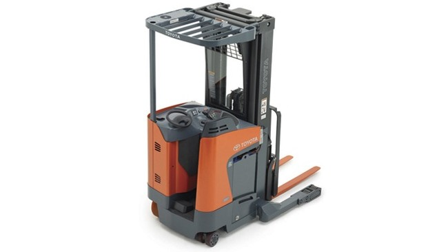 8-Series Electric Reach Truck